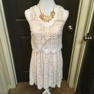 🆕 Francesca's White/Cream Lace Crotchet Dress- XS